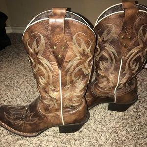 Brown Ariat Western boots